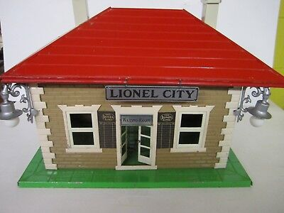 Pre War - Lionel #134 Standard Gauge Station With Train Control And Lights