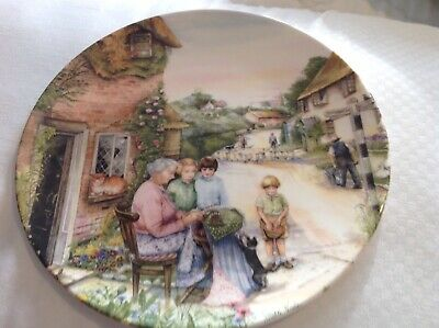 Royal Doulton Collectors Plate The Lacemaker From Old Country Crafts 1991
