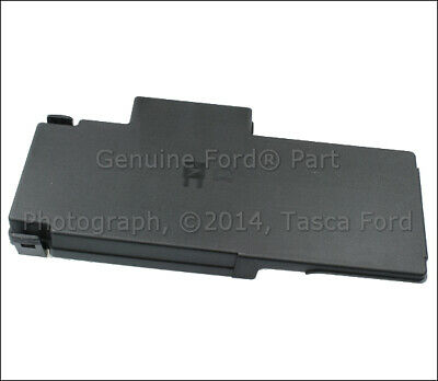 NEW OEM ENGINE Compartment Fuse Panel Cover 2011-15 Ford F250 F350 Oem F Fuse Box on 2005 crown victoria fuse box, 2005 f350 fuse box, 2005 e350 fuse box, 2005 mountaineer fuse box, 2005 focus fuse box, 2005 town car fuse box, 2005 freestyle fuse box, 2005 taurus fuse box, 2005 e250 fuse box, 2005 econoline fuse box, 2005 mustang fuse box, 2005 f250 fuse box, 2005 explorer fuse box, 2005 grand marquis fuse box, 2005 f150 fuse box, 2005 e450 fuse box, 2005 expedition fuse box,