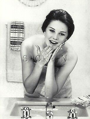 Original Große Risque Vintage Pinup Rp- Haut & Acne Advertising- Bathroom- 1960