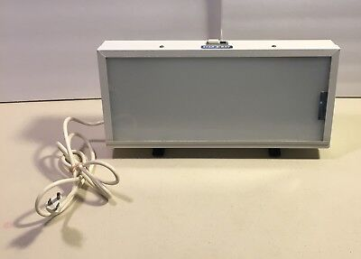 Star X Ray DE100WH Light Box Viewer With Stand Dental Used
