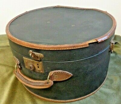 "VINTAGE Round Hat Box 18"" with Flowery Lining - Black*"
