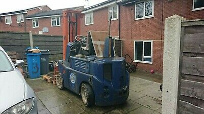 Used Diesel Forklift Truck Works Very Well