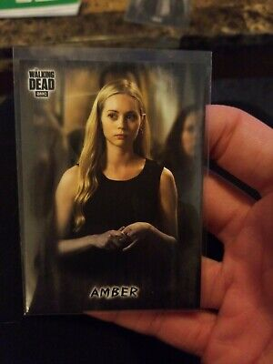 Topps Walking Dead Hunters And Hunted Amber Black Sp Parallel #4/5