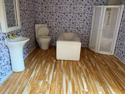 Bathroom Suite - Porcelain 1/12th scale Dolls house