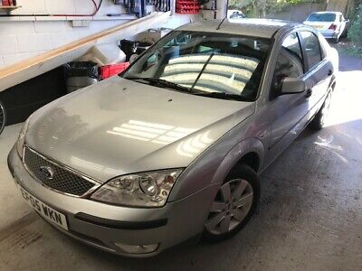 Ford Mondeo 2005 1.8 Silver 5 door hatchback