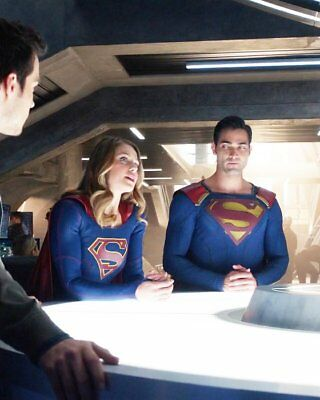 MELISSA BENOIST TYLER HOECHLIN Supergirl RARE NEW 8X10 PHOTO YLT 74