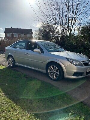 Vauxhall vectra Sri cdti 150 only 107,000 miles and in very good condition