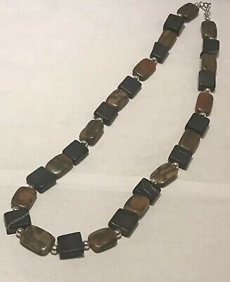 Womens Fashion Gray And Pink Marbled Necklace.