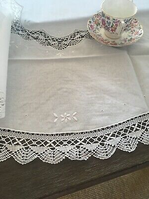 Vintage Embroidered White Cotton Tablecloth With Lace NWOT