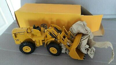 DIECAST MODEL CATERPILLAR NZG Loading Shovel CAT 950 - No 284 - non  original box
