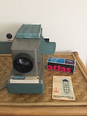 Vintage BELL & HOWELL Slide Projector Green   Original Box Working Extra Bulb