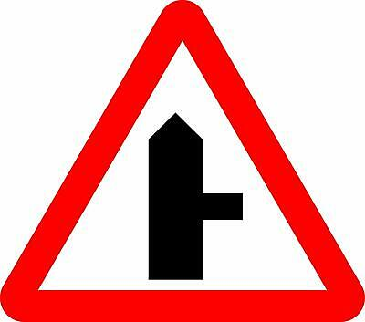 Approaching right-hand junction. Road safety sign