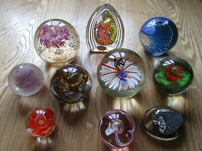 Joblot Collection Bundle of 10 x Art Glass Paperweights Inc Wedgewood CHG