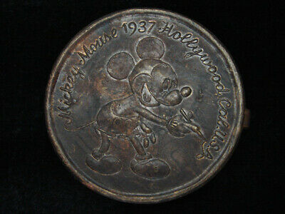 RB11149 VINTAGE 1950s **MICKEY MOUSE** WALT DISNEY SOLID BRASS BUCKLE