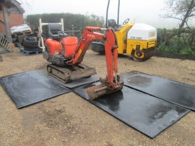 MINI DIGGER MATTS, STABLE MATTS, 1mt x 2mt  £15 each , 400 available