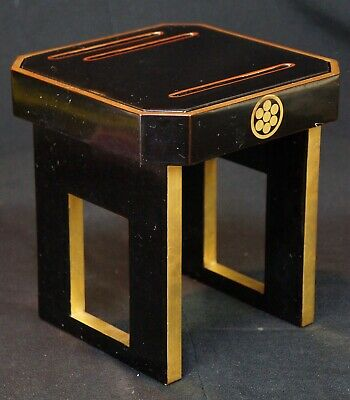 Japan lacquer tray stand for Sake cups serving 1900s Japanese craft