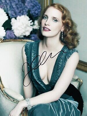 Jessica Chastain Signed  8x10 auto photo in Excellent Condition