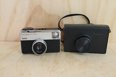 Vintage Kodak Instamatic 233 Camera 126 Film