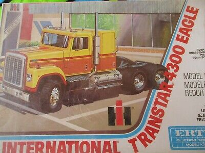 Ertl 8025 IH International Harvester TRANSTAR 4300 EAGLE WRAPPED 1:25  kit 1977