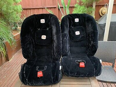 A Pair Of Car Seats Booster Safe-n-Sound