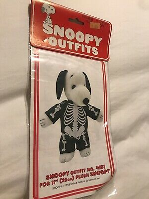 New NIP Vintage Snoopy Peanuts Plush Outfit Skeleton United Feature Syndicate