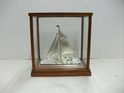 The sailboat of Silver of Japan.  #38g/ 1.34oz. Japanese antique