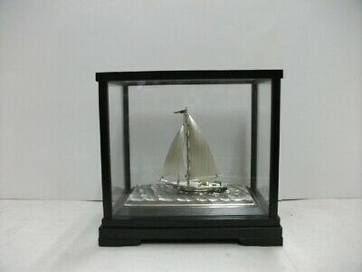 The sailboat of Pure silver of Japan.  #27g/ 0.95oz. Japanese antique