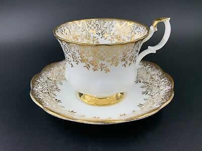 Royal Albert 4235 Gold Lace  Tea Cup And Saucer Set Bone China England