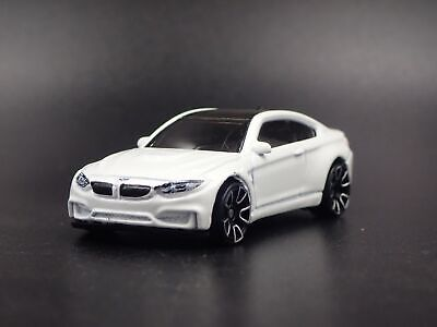 2014-2018 BMW M4 F82 Coupe 1:64 Limité de Collection