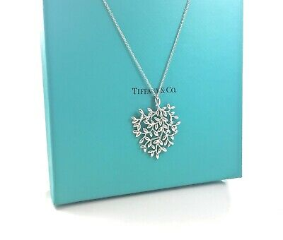 8d0bf6e6b Tiffany & Co. Silver Picasso Large Olive Leaf Pendant Necklace 30