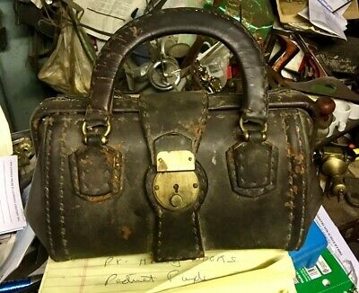 Very Rare Primitive VINTAGE LEATHER DOCTORS BAG ??? Just Out Of Attic Physician