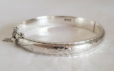 An Elizabeth ll Sterling silver bangle. Birmingham 1973.By Joseph Smith & Sons