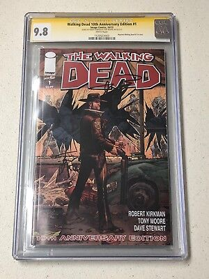 THE WALKING DEAD 1 10th Anniversary 9.8 CGC SS KIRKMAN MOORE Color NYCC  2013