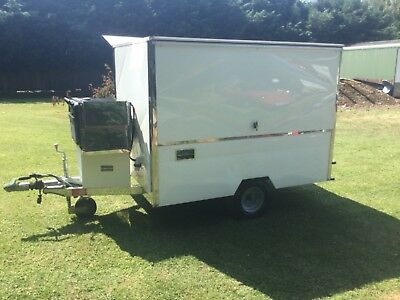 SANDWICH VAN TRAILER hot/cold hardly used would be great for a business start up