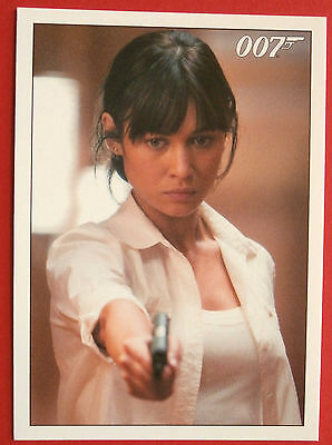 JAMES BOND - Quantum of Solace - Card #076 - Camille Enters Medrano's Hotel Room