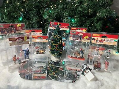 Lemax Christmas.Lot Of 13 Piece Lemax Christmas Village Piece Collection New Used Accessories