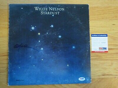 WILLIE NELSON signed STARDUST 1978 Record / Album PSA / DNA AE64401 Farm Aid