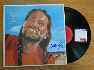 WILLIE NELSON signed GREATEST HITS 1981 Record / Album PSA DNA AE64404 Farm Aid