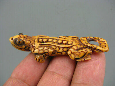 Rare Antique Chinese Old Cattle Bone Hand-Carved Gecko Netsuke Statue