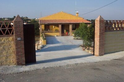 Spain. Coin 3 bed villa in on large plot for Long Term Rent (12 month) €1500 pcm