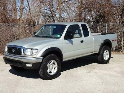 2003 Toyota Tacoma SR5 XtraCab 4WD TRD OFF-ROAD PICKUP TRUCK 104K Mls REAR DIFFERENTIAL LOCK BED LINER CHROME BUMPERS TOOL BOX USB/AUX-INPUT CLEAN