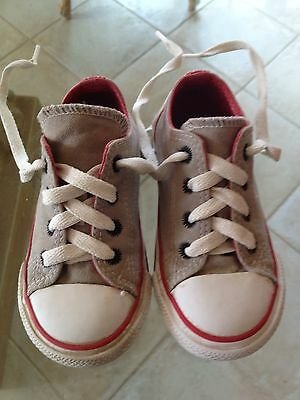 32a2194eda79c ADORABLE CHAUSSURES CONVERSE - Taille 23-BE - EUR 15