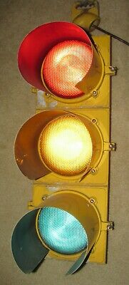 "8"" Aluminum 3 section Automatic Signal LED Traffic Signal Light (C)"