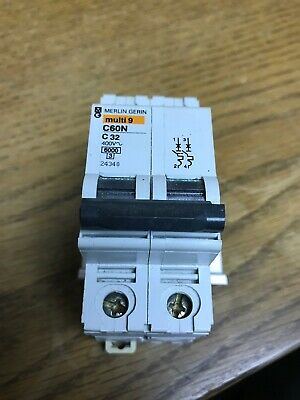 Schneider Electric Miniature 22K 25A 2P QOB225VH Square D