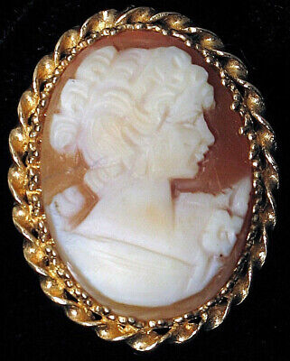 Vintage 14K Yellow Gold Fine Carved Woman Portrait Shell Cameo Brooch Pendant