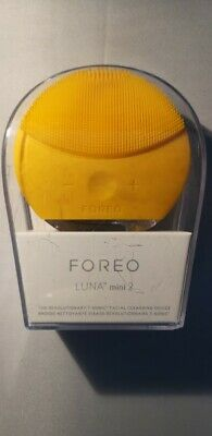 FOREO Luna Mini 2 Facial Cleansing Brush - Sunflower Yellow