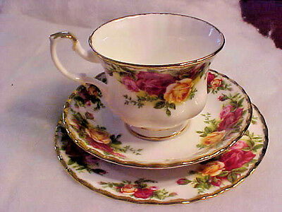 Royal Albert Old Country Roses Trio Cup Saucer Dessert/treat Plate Excellent