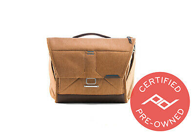 "Peak Design Everyday Messenger Bag V1 - (13"", Tan) PD Certified"