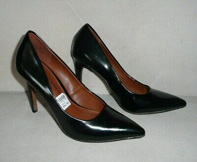 b0f61e56a32 Christian Siriano for Payless Women s Black Pointed Toe High Heel Pumps Sz 7